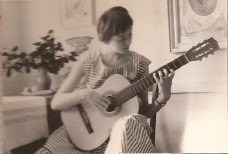Margaret-with-guitar
